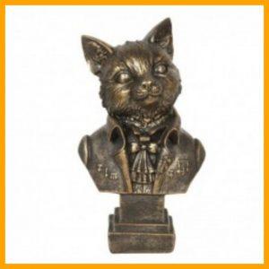 Beeld kat in bronskleur.