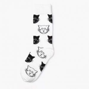 Leuke kattensok in wit en zwart.